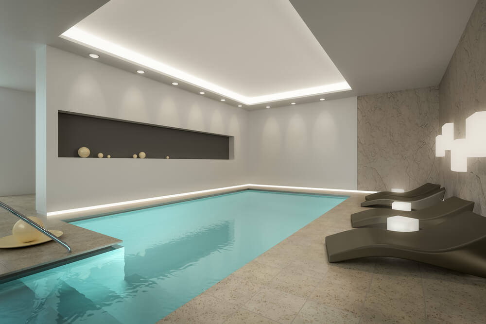 45 screened in covered and indoor pool designs for Hotel avec piscine interieur