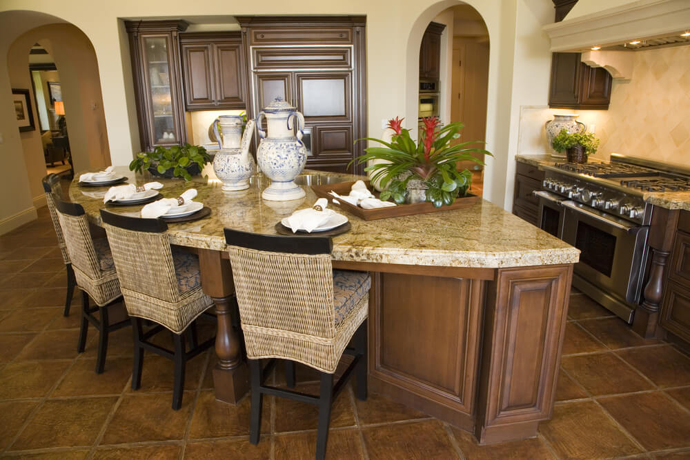 Shaped kitchen island that accommodates 4 people in l shaped kitchen