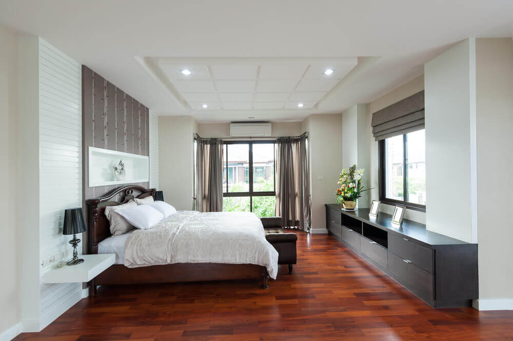 61 bright cheery white bedroom designs for Bedroom ideas dark wood floor