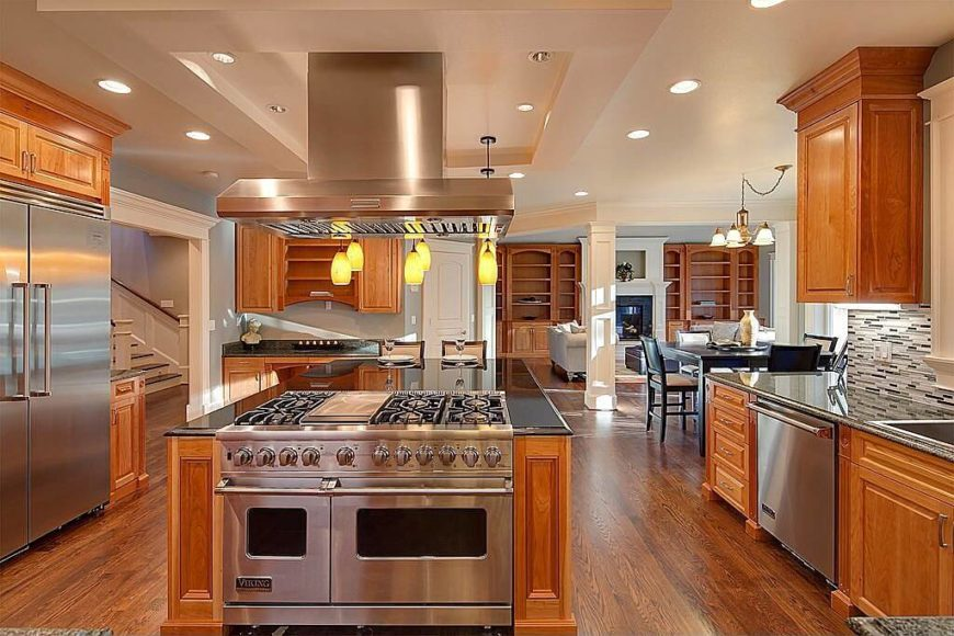 Uber Luxurious Kitchen Designs on traditional oak kitchen islands