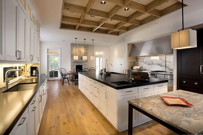 22 luxury galley kitchen design ideas pictures for Looking for kitchen designs