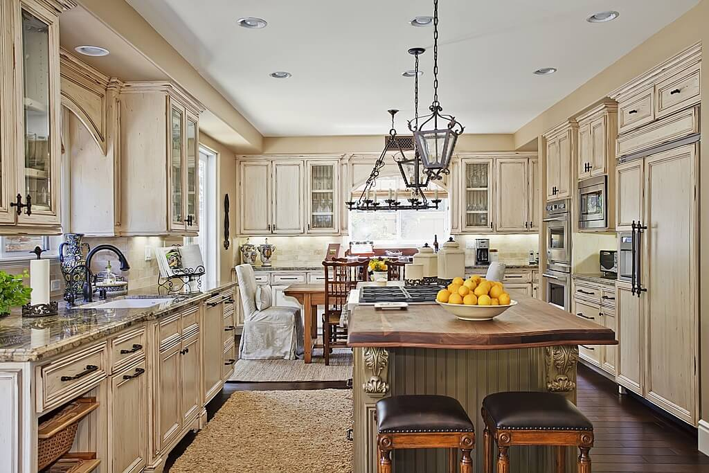 41 luxury u shaped kitchen designs layouts photos for Traditional kitchen flooring