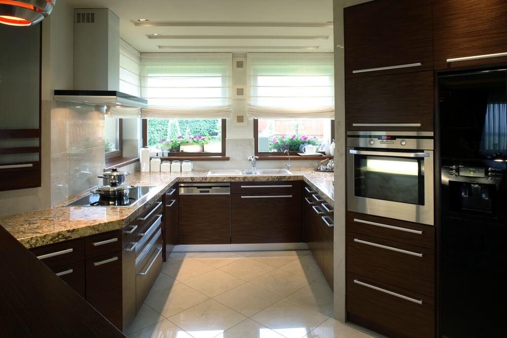 41 luxury u shaped kitchen designs layouts photos - Dark wood cabinets kitchen design ...