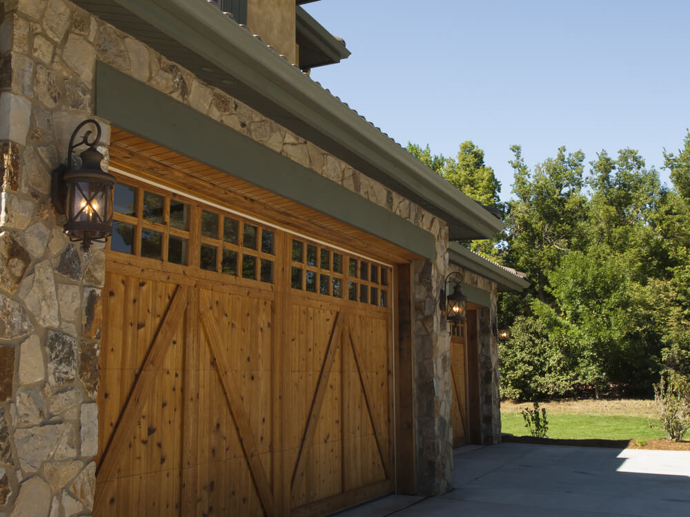 60 residential garage door designs pictures for Rustic wood garage doors