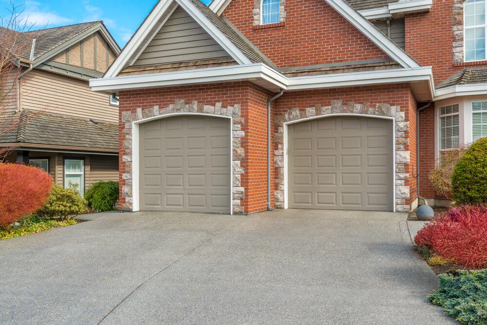 60 Residential Garage Door Designs Pictures