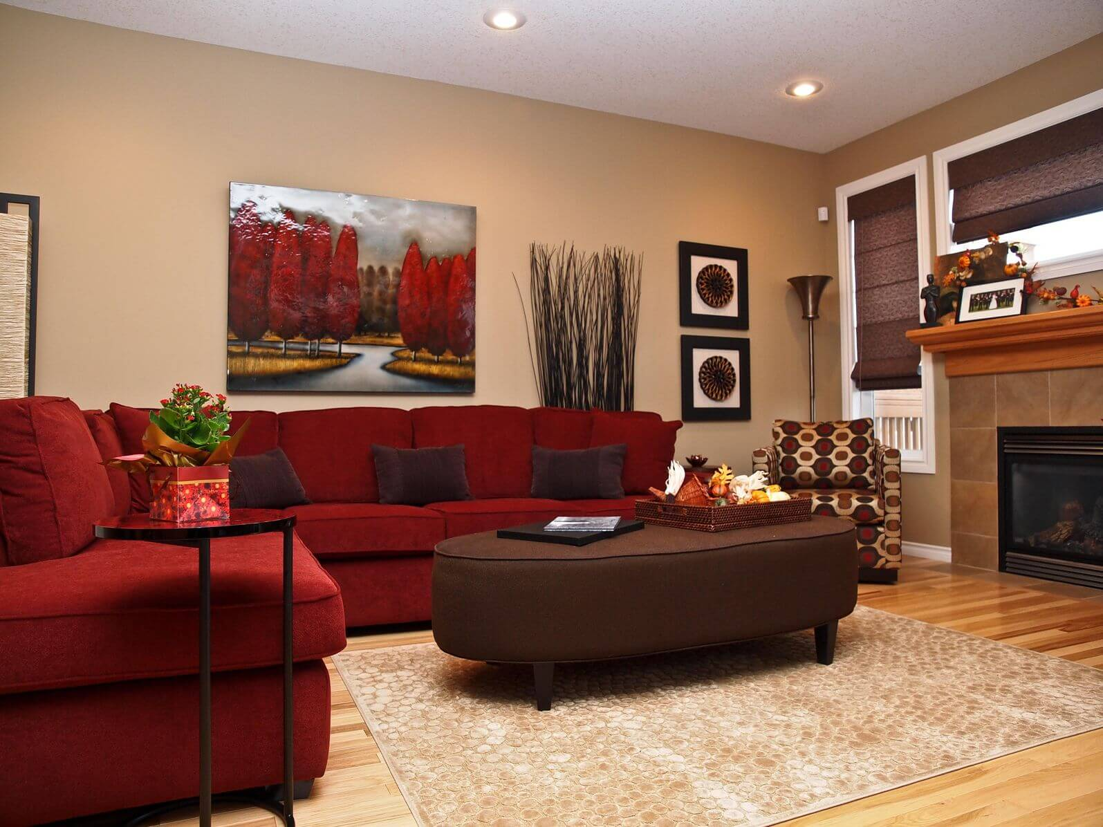 47 beautiful living rooms with ottoman coffee tables Red accents for living room