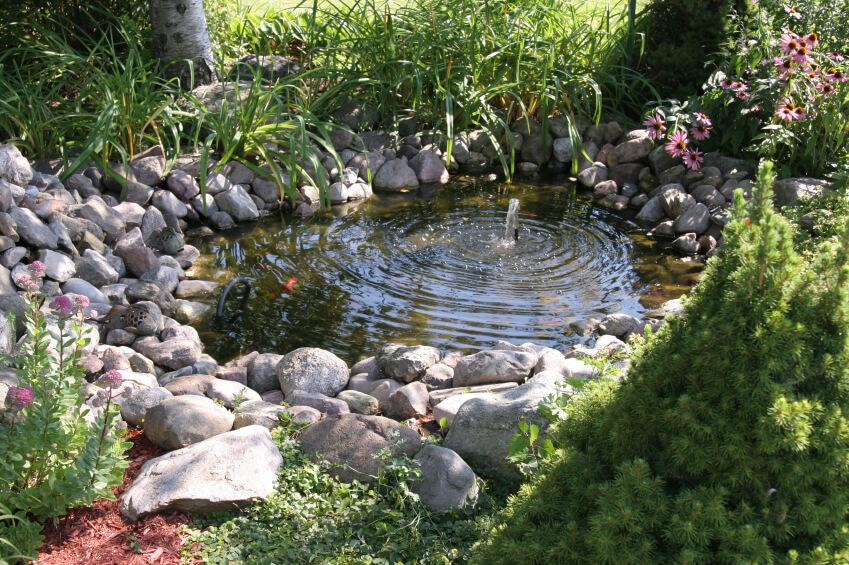 38 backyard pond ideas designs pictures d coration for Garden pond edging stones