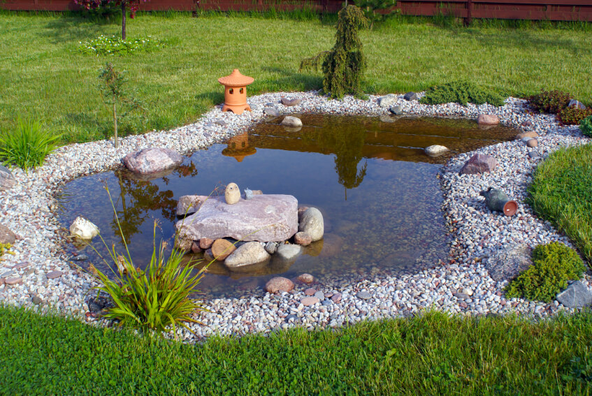 38 backyard pond ideas designs pictures d coration for Ornamental grass edging