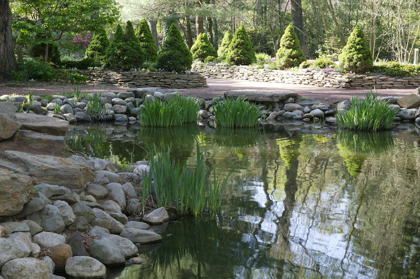 37 backyard pond ideas designs pictures for Stone koi pond