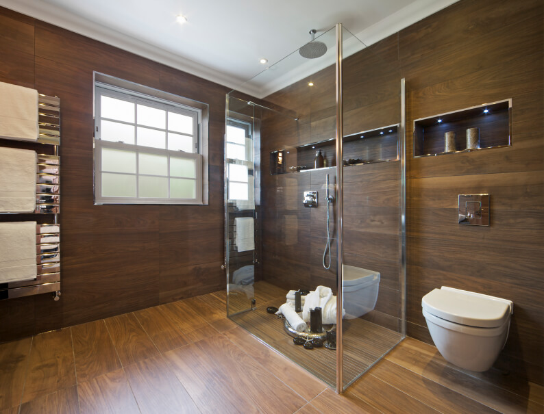 26 Master Bathrooms With Wood Floors (PICTURES