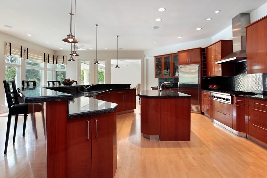 Kitchen Backsplash Contrast Or Not