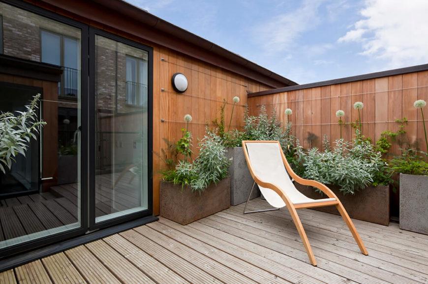 41 backyard sun deck design ideas pictures home stratosphere. Black Bedroom Furniture Sets. Home Design Ideas