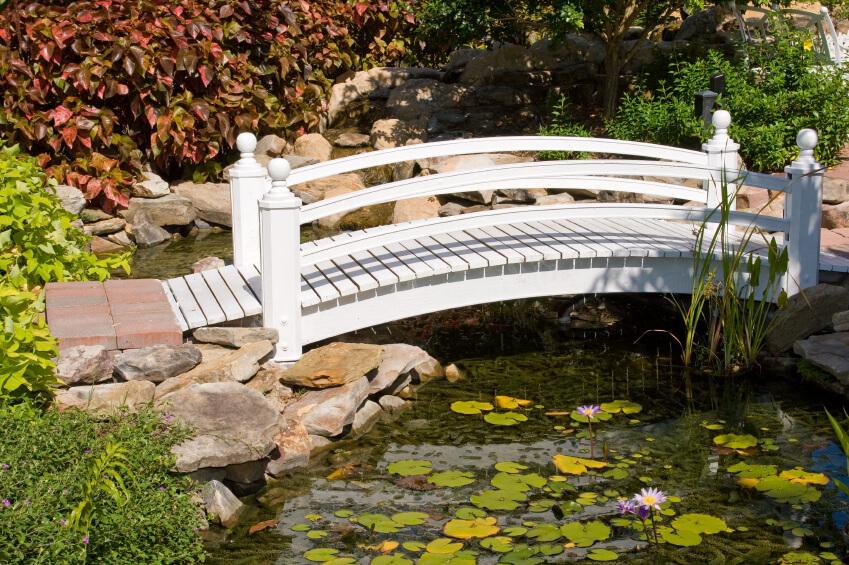 49 backyard garden bridge ideas and designs photos for Fish pond bridges