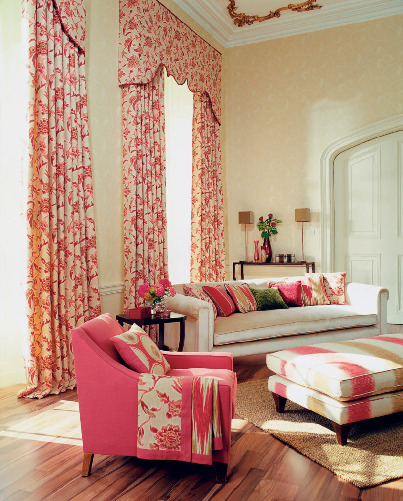 53 living rooms with curtains and drapes eclectic variety for Curtains in a living room