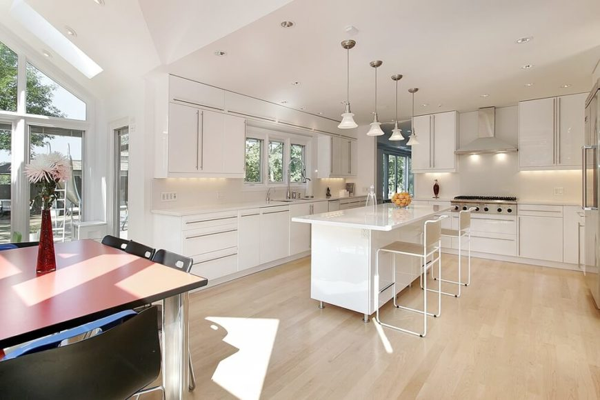 32 Spectacular White Kitchens With Honey And Light Wood Floors PICTURES