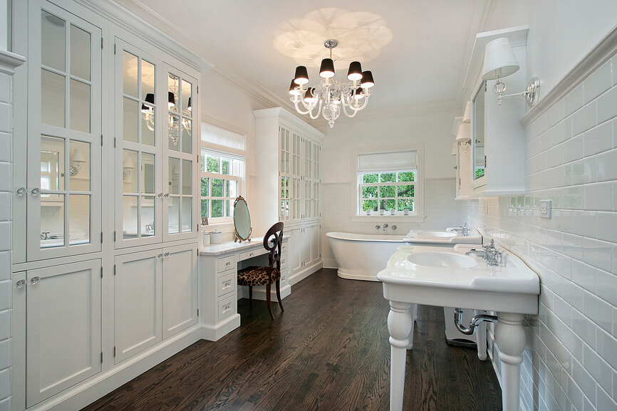 32 bathrooms with dark floors for Hardwood floor in bathroom