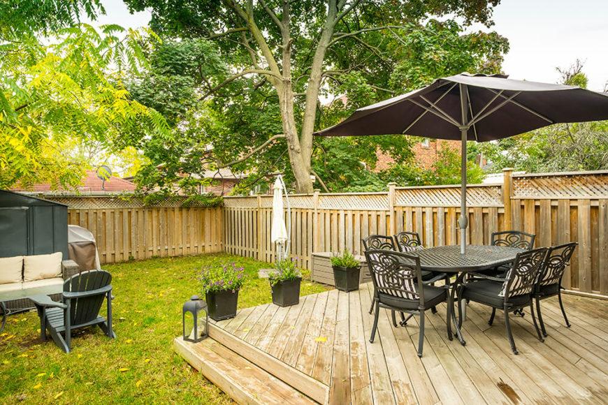 41 backyard sun deck design ideas pictures home for Backyard corner design ideas