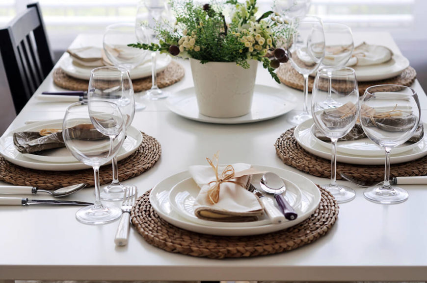 44 fancy table setting ideas for dinner parties and holidays for Kitchen table setting ideas
