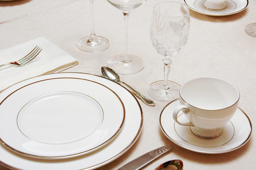 Exceptional A Simple But Elegant Table Setting In White With Silver Rimmed Dishes. Each  Wine