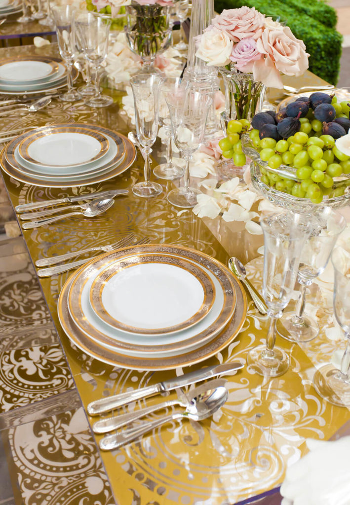 44 fancy table setting ideas for dinner parties and holidays Dinner table setting pictures