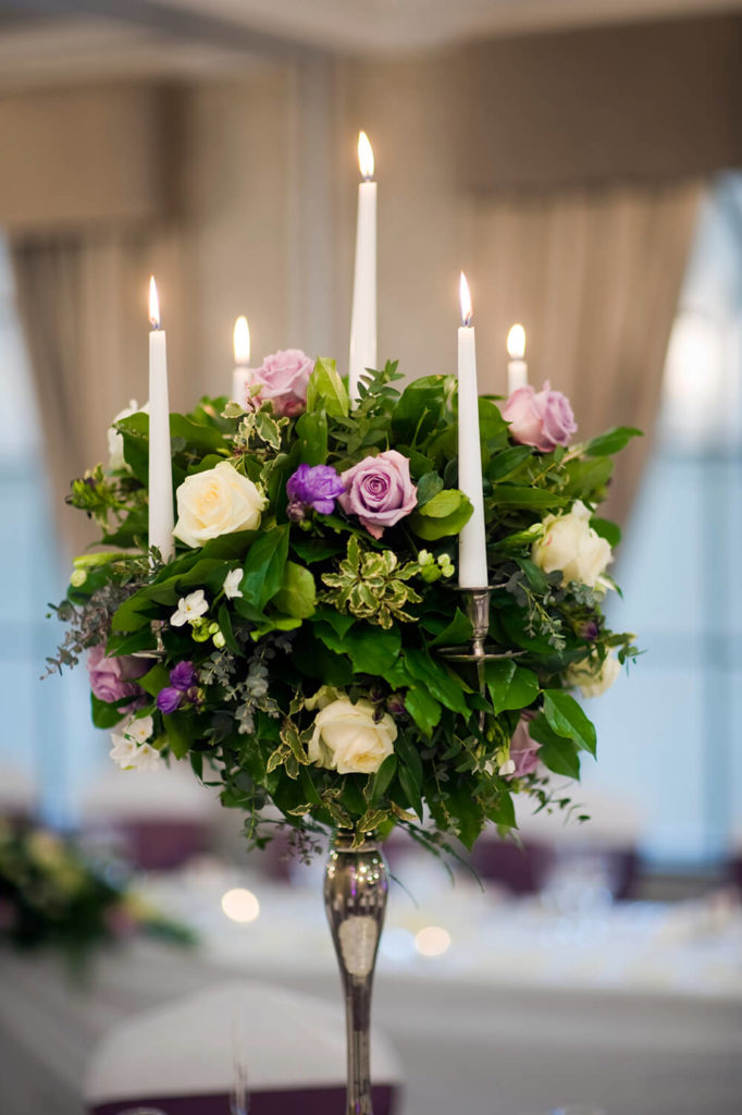 A Romantic And Elegant Bouquet Of Greens Roses In White Lavender Tall