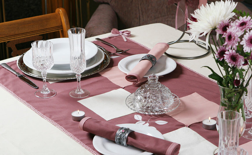 A Fiercely Elegant Table Setting In Mauve With Crystal Ware Glasses And  Jeweled Silver Napkin Rings Part 84
