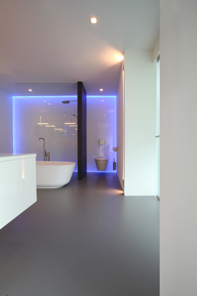 Stunning villa van schijndel by lab32 architecten - Neon decoration interieur ...