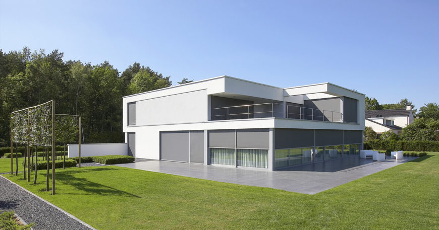 Minimalist Villa Raeven te Rekem Project By Lab 32 Architecten ...