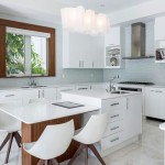 34 Luxurious and Custom Kitchens With Island Sinks