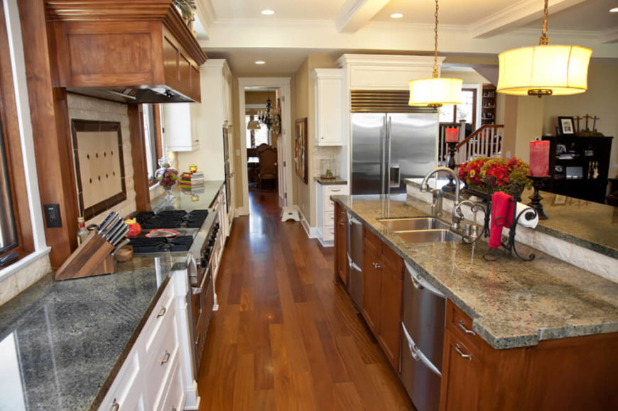 25 of our very best traditional kitchen designs fantastic for Traditional galley kitchen designs