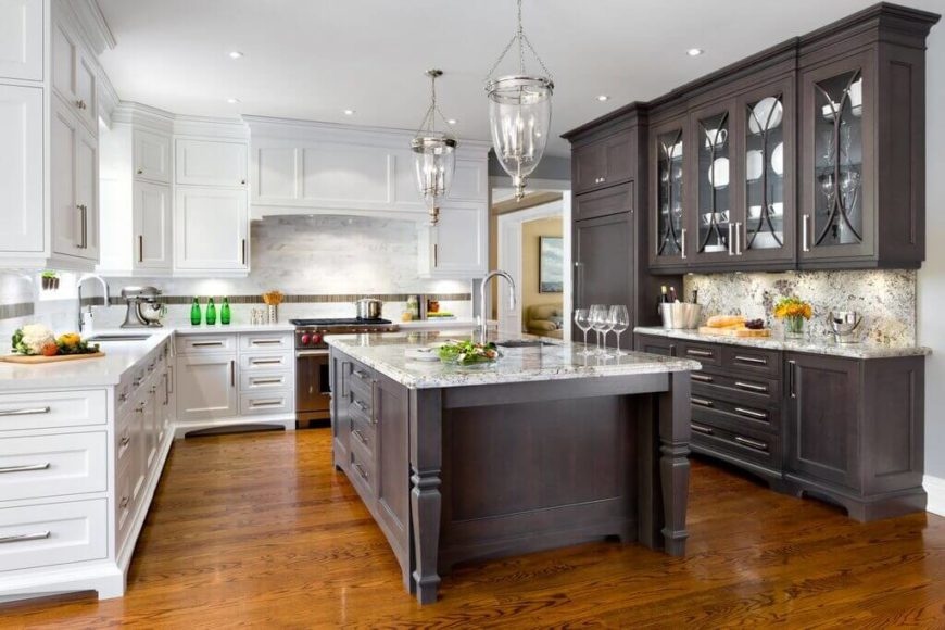 48 expert kitchen design tips by 16 top interior designers for Best kitchen cabinet layout