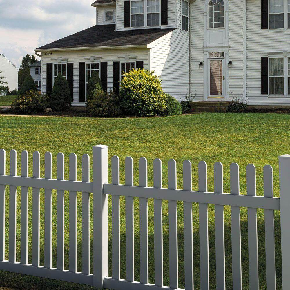22 vinyl fence ideas for residential homes vinyl picket fence baanklon Choice Image