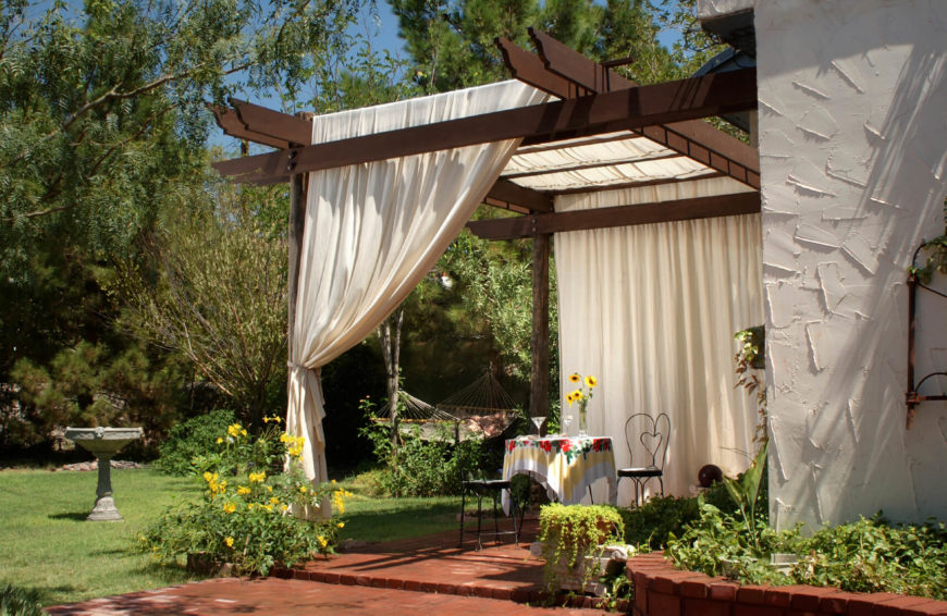 Ways To Get Privacy In Backyard 21 privacy screens for residential neighborhoods - décoration de la