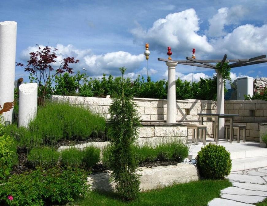 Clever Backyard Shrub Garden Ideas