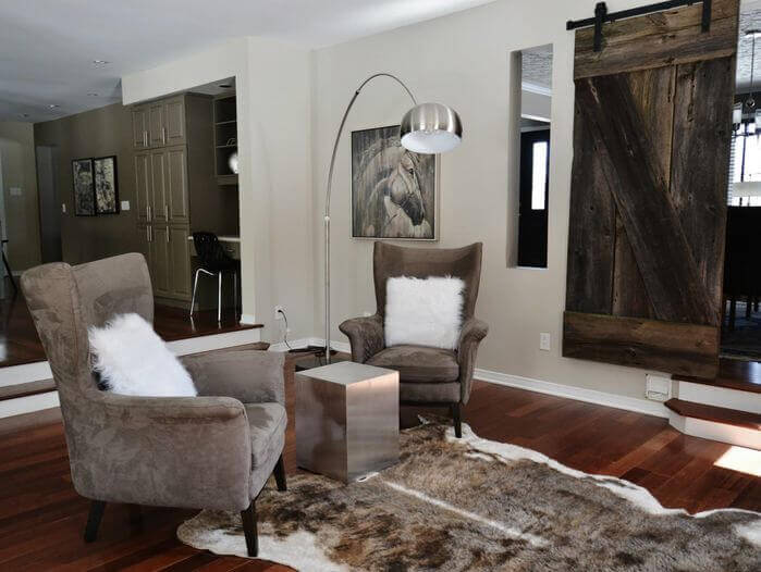 30 sliding barn door designs and ideas for the home for Sliding barn door living room