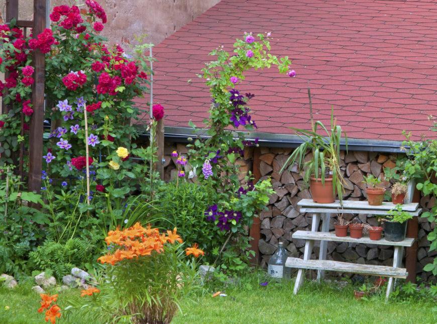 35 pretty small garden ideas d coration de la maison for Cheap garden plants