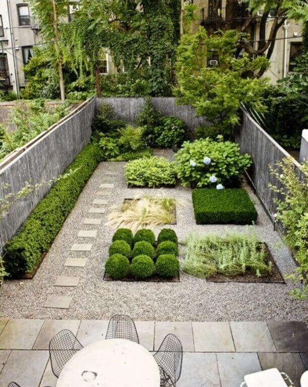 39 pretty small garden ideas - Small garden space ideas property ...