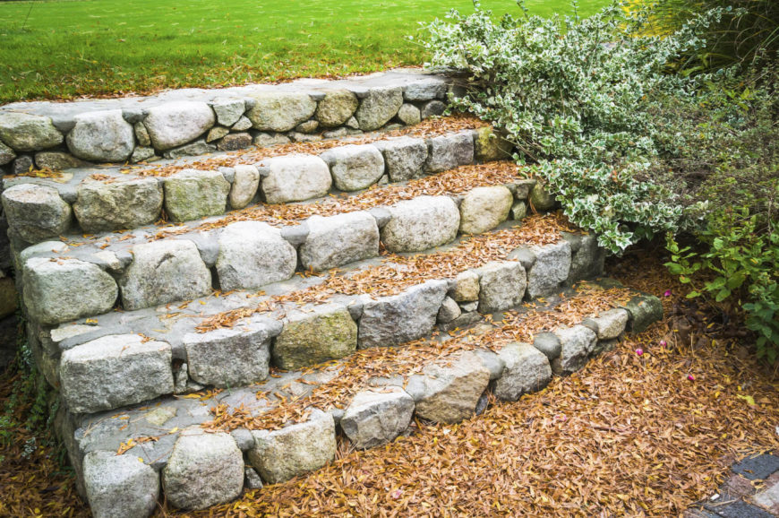 37 Magnificent Backyard Stone Step Ideas