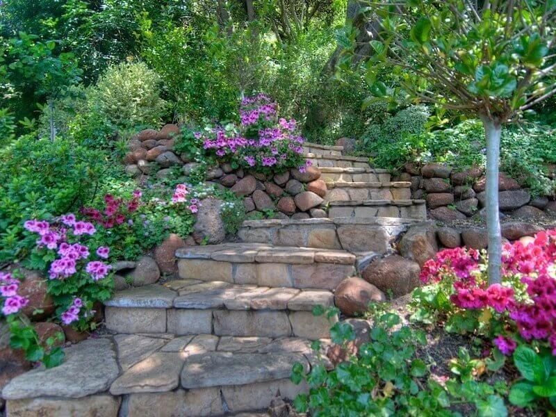 37 magnificent backyard stone step ideas. Black Bedroom Furniture Sets. Home Design Ideas