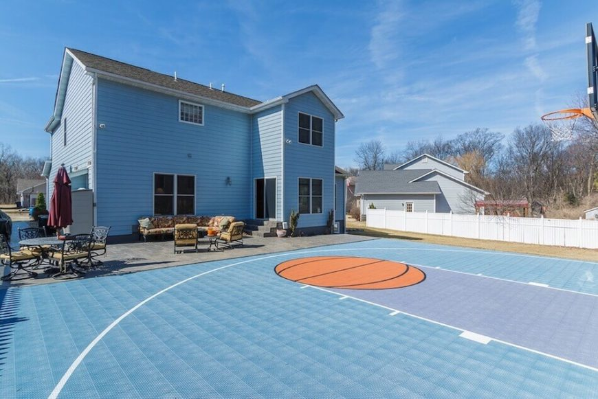 34 spectacular backyard sports court ideas for Backyard sport court ideas