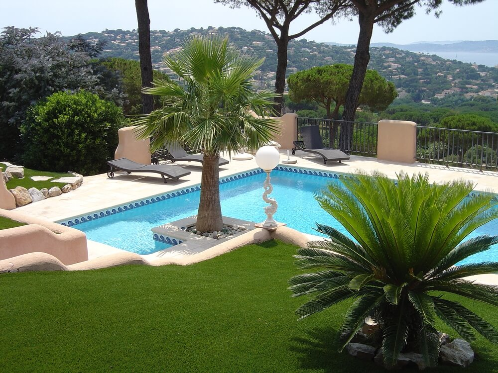 100 spectacular backyard swimming pool designs pictures for Ideas para jardines exteriores