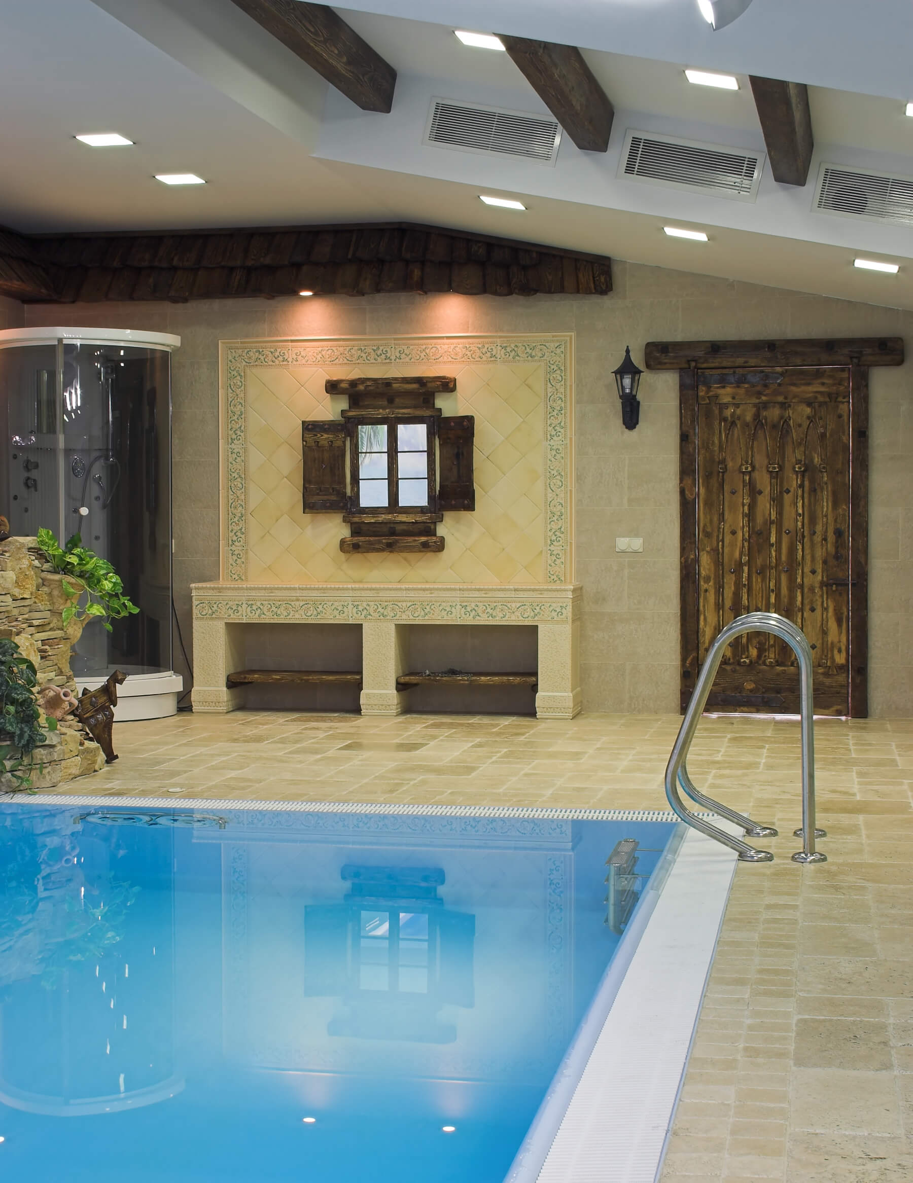 Screened In Covered And Indoor Pool Designs - Rooms with pools