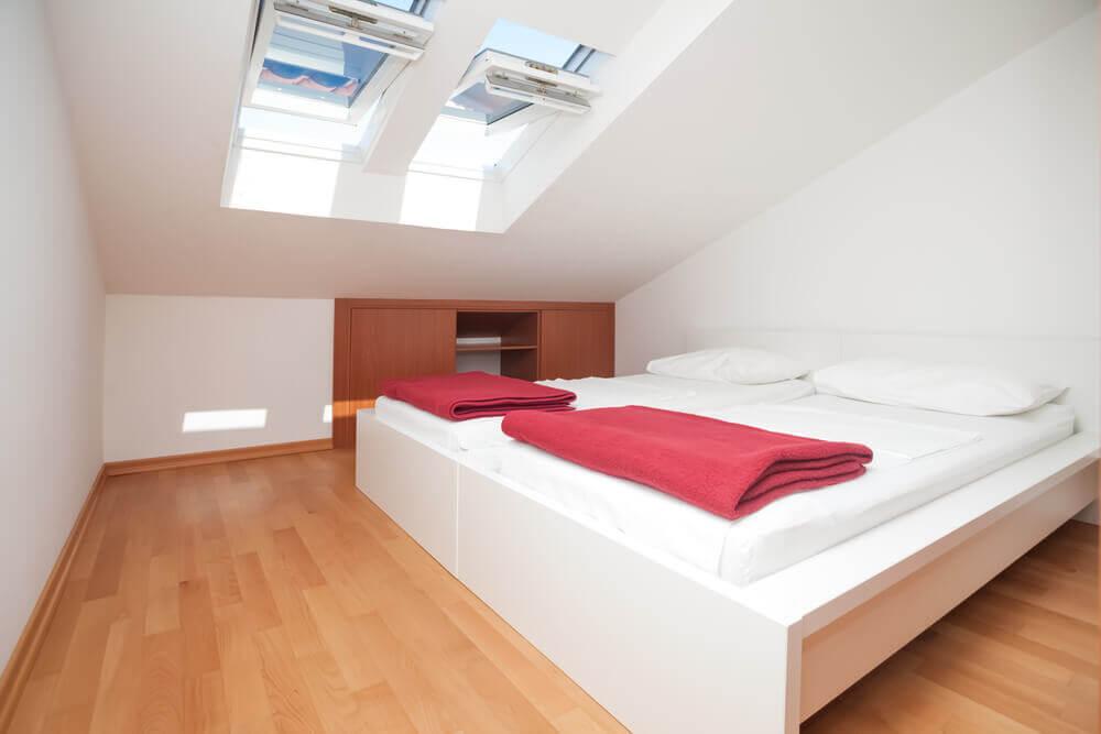 61 bright cheery white bedroom designs. Black Bedroom Furniture Sets. Home Design Ideas