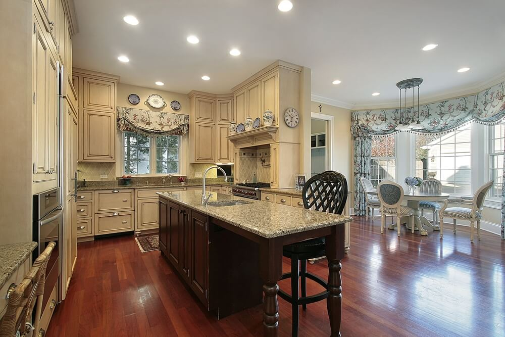New And Spacious Light Wood Custom Kitchen Designs - Kitchen color schemes with light wood cabinets