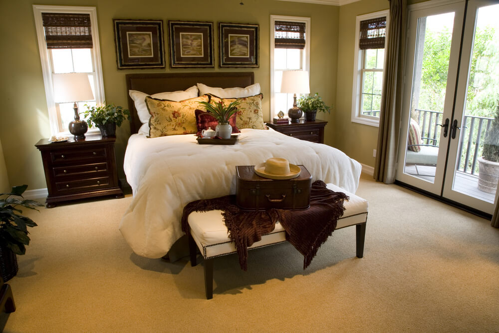 50 professionally decorated master bedroom designs photos for Best carpets for bedrooms