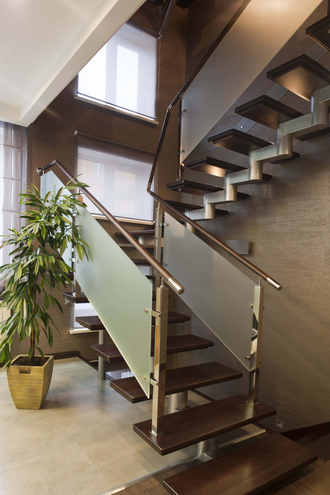 33 flamboyant modern staircase designs for Home designer stairs with landing