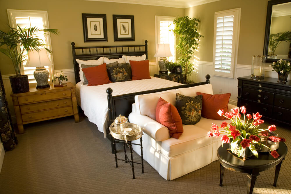 loveseat with coffee table at the foot of the bed - Master Bedrooms Decorating Ideas