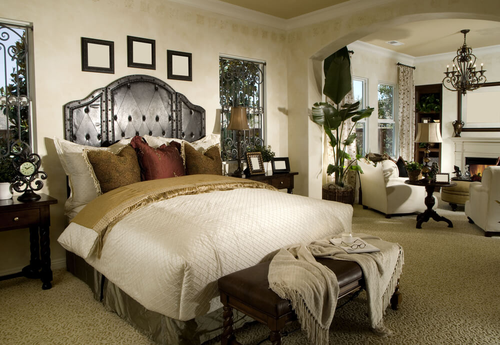 13 chairs for master bedrooms with photo examples for Master bedroom suite