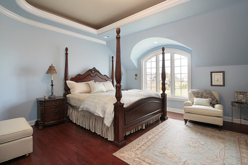 43 spacious master bedroom designs with luxury bedroom for Hardwood floors in bedrooms
