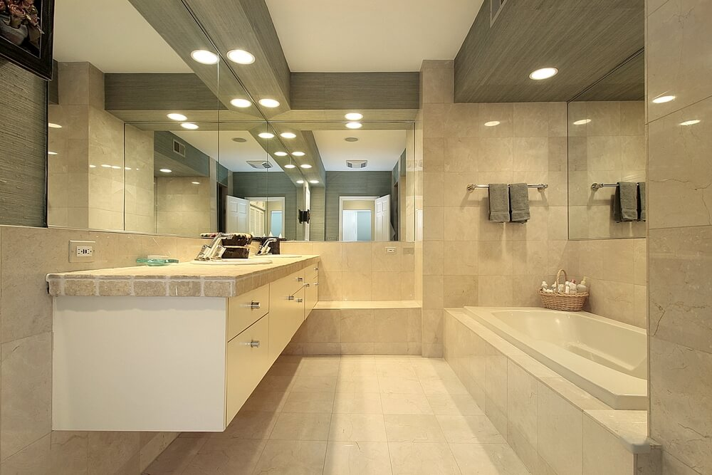 40 luxurious master bathrooms most with incredible bathtubs for Crema marfil bathroom designs
